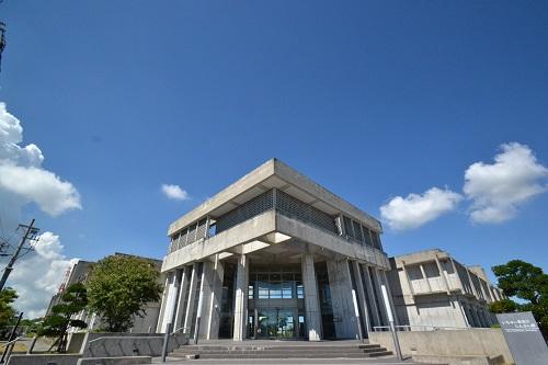 沖縄県うるま市で会議室を借りるならじんぶん館